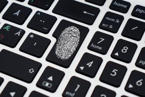 laptop_fingerprint_pixabay_1483369437500